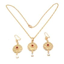 FC BEAUTY the Red stone spiral flower Locket necklace with 18kt gold | zomorod