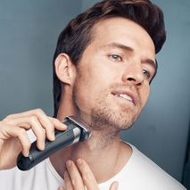 Braun Series 8- 8390 CC Wet & Dry Shaver With Clean & charge System-Zomorod.com